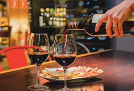 Conheça os benefícios de beber uma taça de vinho ao dia